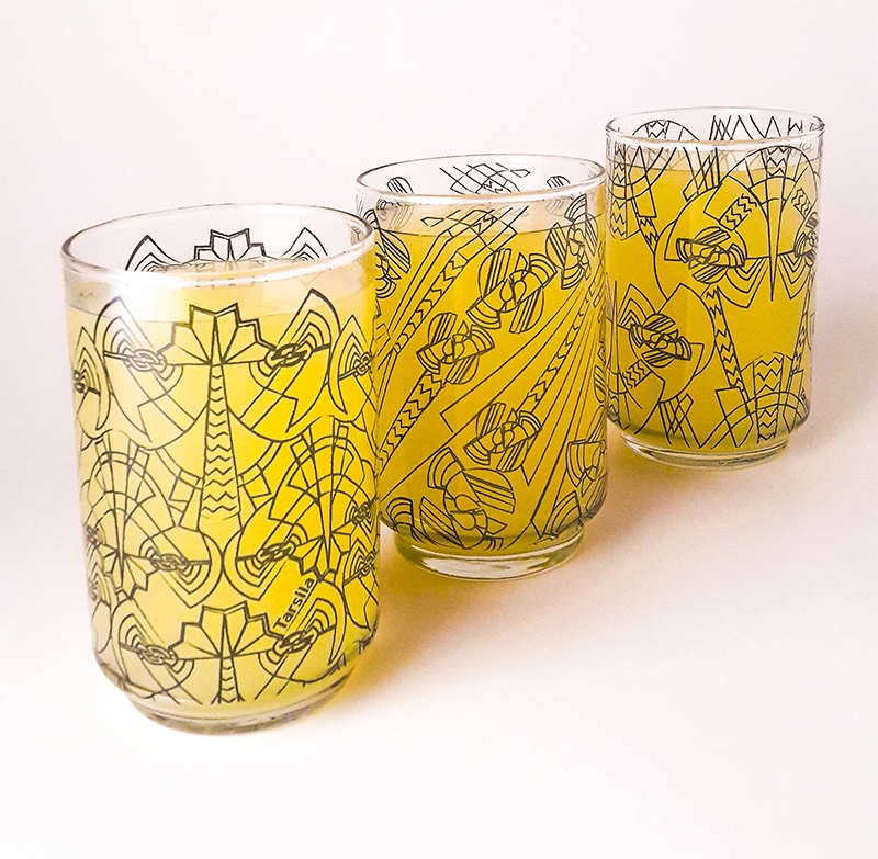 Vasos de vidrio estampados por Tarsila Vajilla